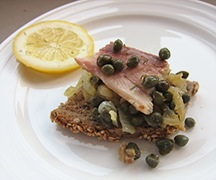 Smoked_trout_capers.jpg
